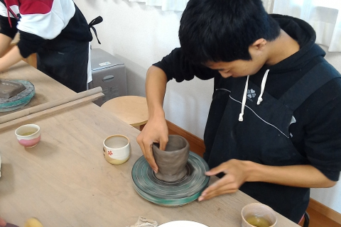 Experience Pottery in Sendai! 60-minute Hand Thrown Pottery Shaped with Hands
