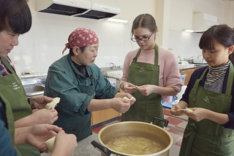 "Local """"Hatto"" Soup Making Experience in Tome City"