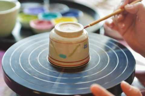 """Ceramic Sake Cup Painting Experience"" at atelier GENYO"
